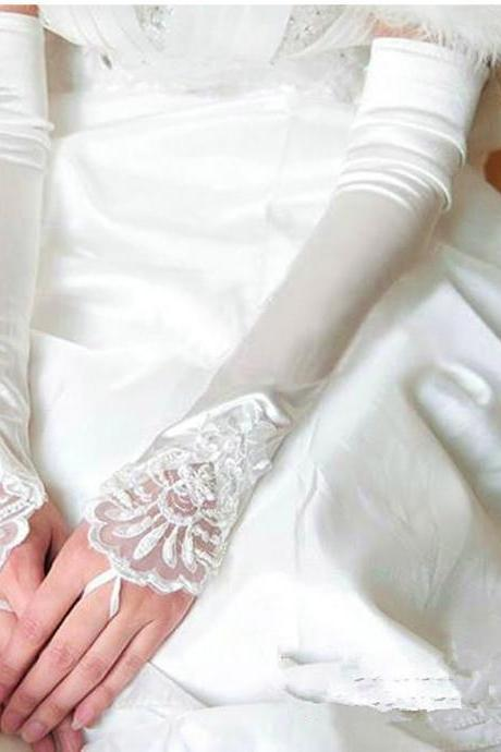 2017 Newest Elow Length Wedding Gloves White Fingerless Lace Applique Wedding Dress Accessories Bridal Gloves